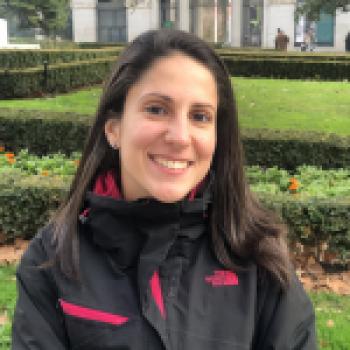 Susana F. Canguros / Cuidadores niños Ref: 412303