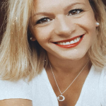 Maria Laura B.