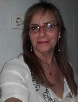 Raquel B. Canguros / Cuidadores niños Ref: 214911